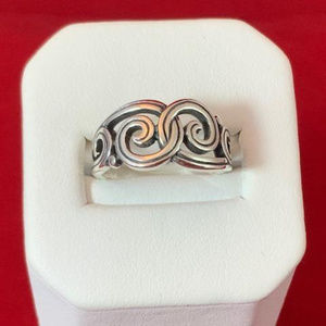 James Avery Sterling Silver Gentle Wave Ring 4.75